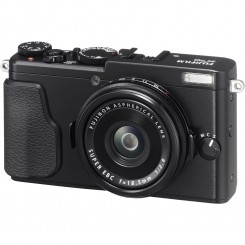 FUJIFILM X70 Mirrorless Digital Camera