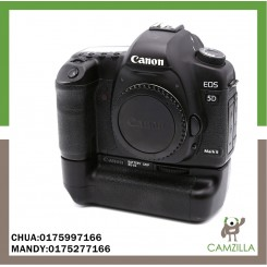 USED CANON 5D MARK II BODY SC:34K WITH BATTERYGRIP BG-E6