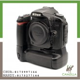 USED NIKON D90 BODY SC:49K COME WITH BATTERY GRIP